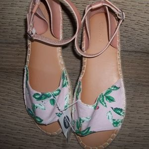 NWT Old Navy Tropical Pink Espadrille Size 8